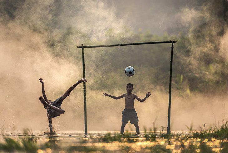 golgede_ve_guneste_futbol_eduardo_galeano