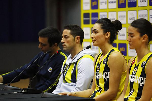 fenerbahçe_kadin_basketbol_takimi